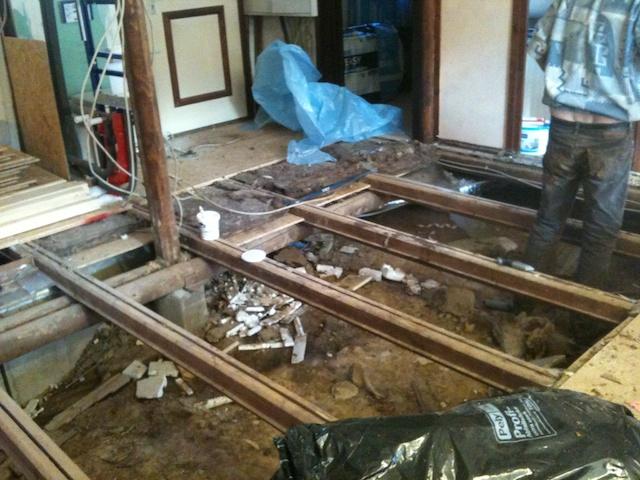 Neuer Fußboden für das Wohnzimmer - Unser Haus am See